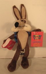 Looney Tunes Year September School Day Wile E. Coyote Mini Bean Bag Toy - 1999 in Kingwood, Texas